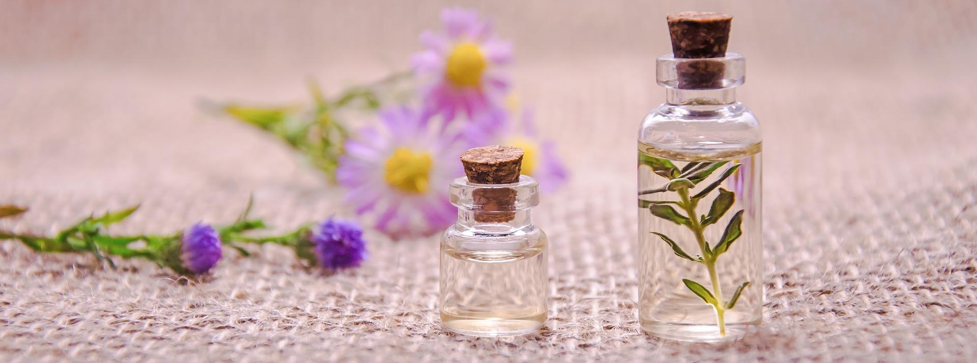 essential-oils-3084952_1920cZPsRQ7ReNKjr