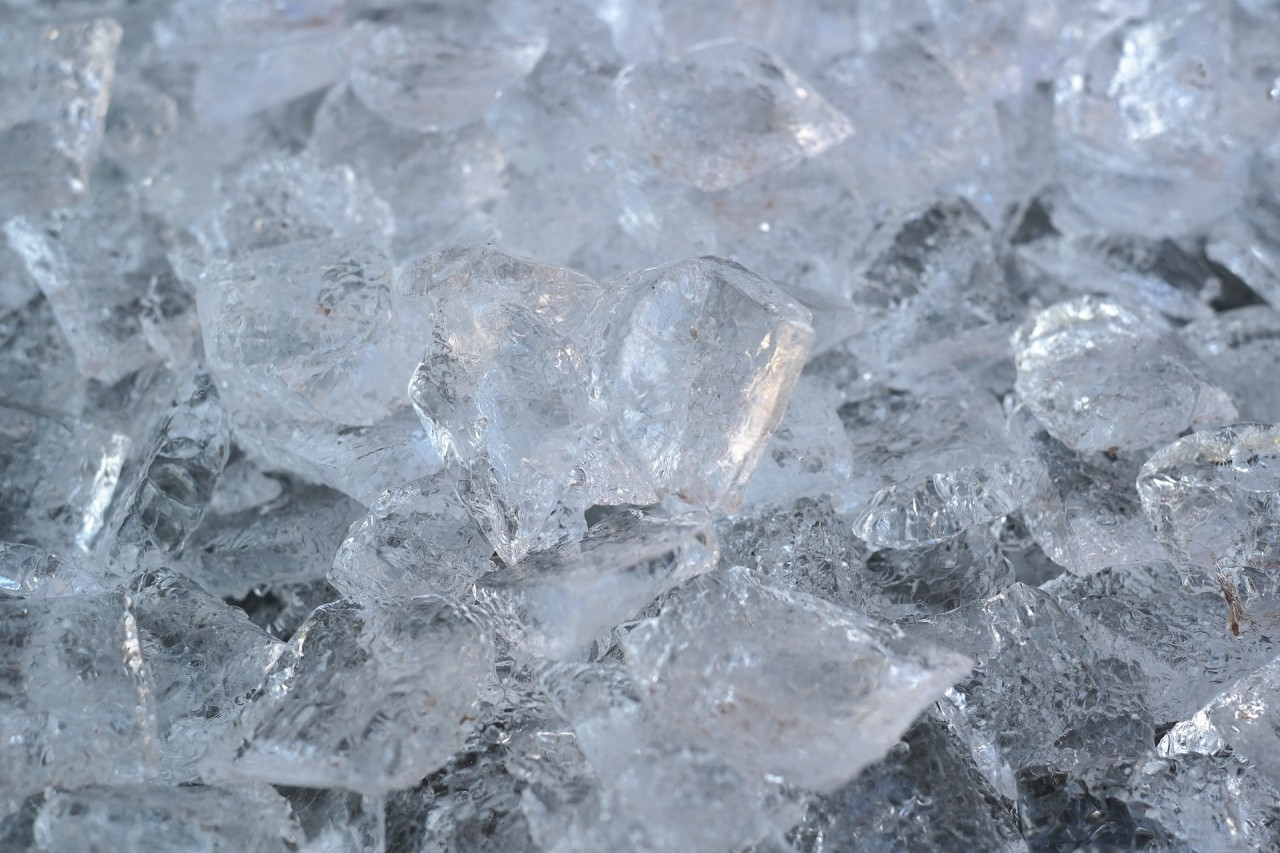 ice-cubes-1194505_1920